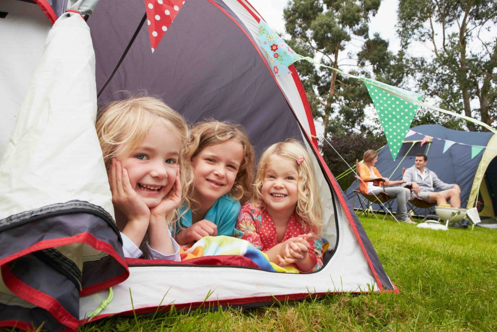 Travelwifi kids in tent