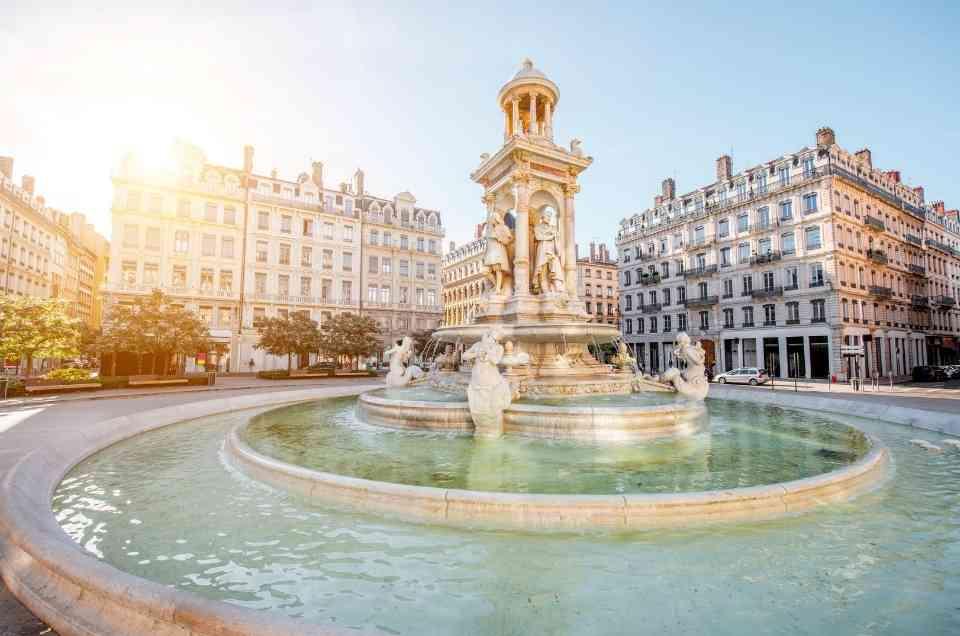 destinations in France for digital nomads